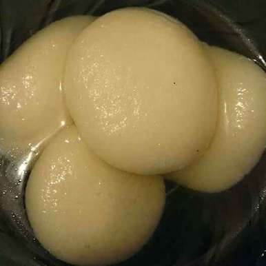 Photo of Rasgulla by Malti Purohit at BetterButter