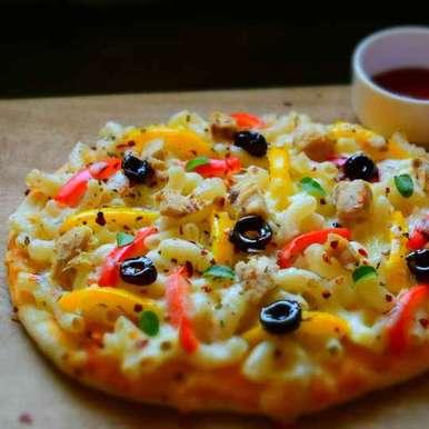 Chessy Macaroni Pasta Pizza, How to make Chessy Macaroni Pasta Pizza