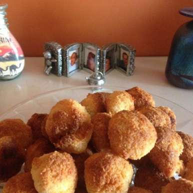 Photo of 2-Ingredient Coconut Macaroons by Manini Badlani at BetterButter
