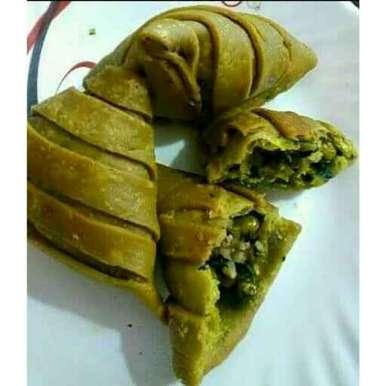 Hare bhare samose recipe in Hindi,हरे भरे समोसे, Manisha Jain