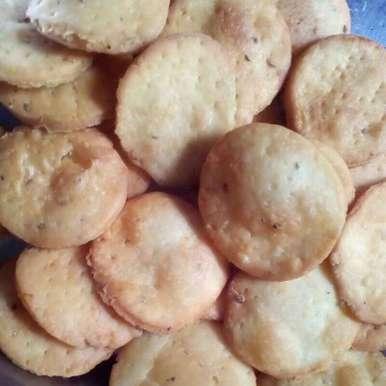 Khari puri. recipe in Marathi,खारी पुरी., Maya Joshi