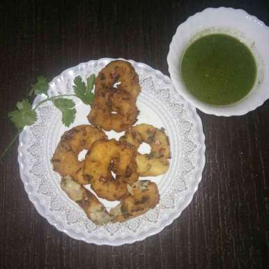 Photo of RAVA SPAICE MENDUVADA by Megha Rao at BetterButter