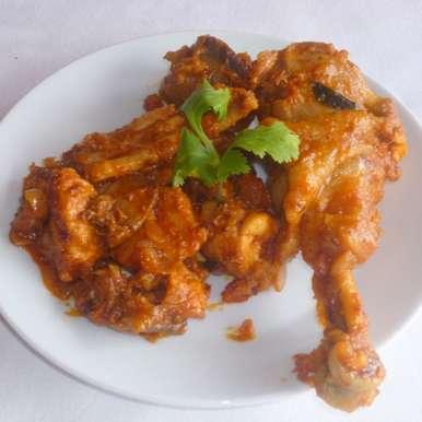 Country Chicken / Nattu Kozhi Varuval