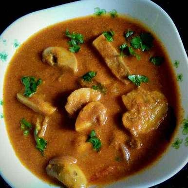 Photo of Mushroom kurma by Muthulakshmi Madhavakrishnan at BetterButter