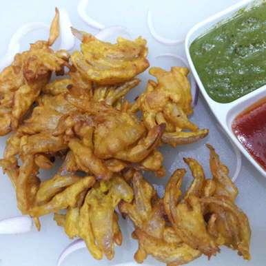 Pyaz ke pakode recipe in Hindi,प्याज़ के पकोड़े, Nandini Maheshwari