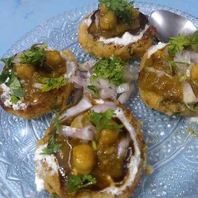 Chhole aalu tikki chaat recipe in Hindi,छोले आलू टिक्की चाट, Neha Sharma