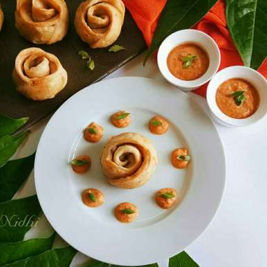 Podi masala rose puff recipe in Hindi,पोड़ी मसाला रोज पफ, Nidhi Seth