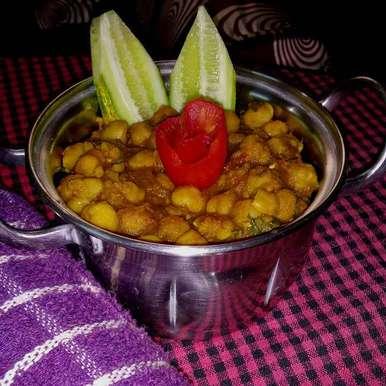 Amritswari pindi chole recipe in Bengali,অমৃতসরি পিন্ডি ছোলে, Papia Chakrabarty