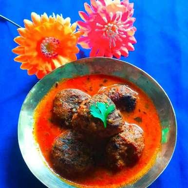 Photo of Kaccha kela ka kofta curry by paramita Dutta at BetterButter