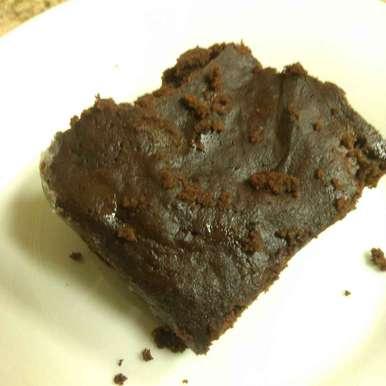 Whole Wheat Flour And Jaggery Microwave Brownie