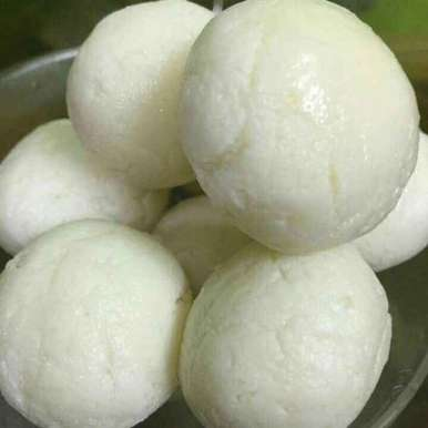 Photo of White sponge rasgulla by Parul Bansal at BetterButter