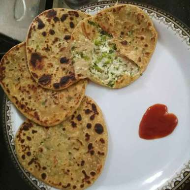 Photo of PANEER PARATHA by Parul Bhimani at BetterButter