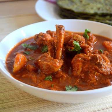 Photo of Quick Chicken Curry by Pavithira Vijay at BetterButter