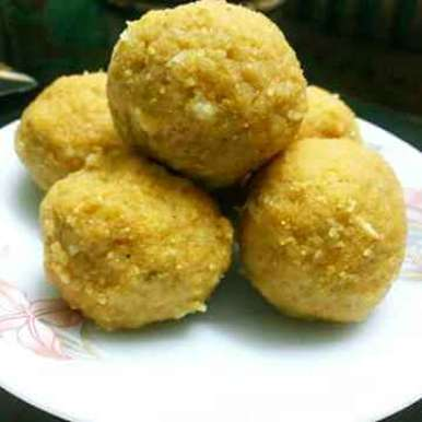 Photo of Besan ladoo by Peeyaly Dutta at BetterButter