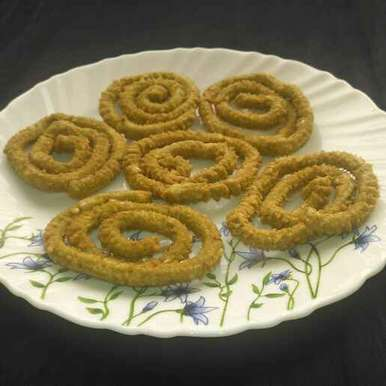 Spinach chakli  recipe in Telugu,పాలకూర జంతికలు, Pravallika Srinivas