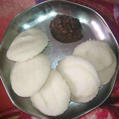 Photo of Soft Idlis(Urad dal & Idly Rava) by Pravallika Srinivas at BetterButter