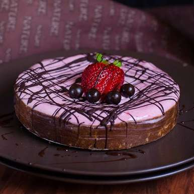 Photo of No Bake Poha & Millet Strawberry Chocolate Tart by Priya Srinivasan at BetterButter