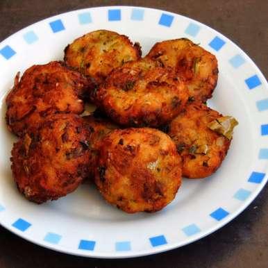 Photo of Potato Vada/Aloo Vada by Priya Suresh at BetterButter