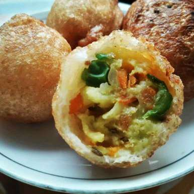 Vegetable bread bonda recipe in Hindi,वेजिटेबल ब्रेड बोन्डा, Uma Purohit