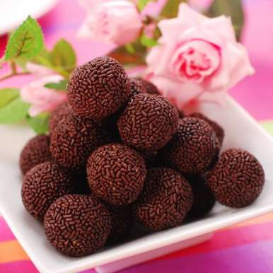 Photo of Rum balls with chocolate sprinkle by Sakshi Khanna at BetterButter