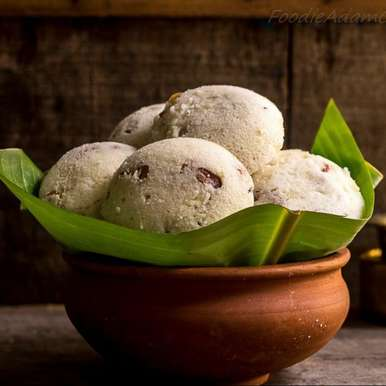 Vivika or Pathaneer Sweet Idlies recipe in Hindi, Vivika या Pathaneer मीठा  इडली।, Jofy Abraham