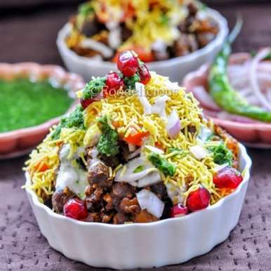 Photo of Heeng Vaale Kaale Chane Ki Chaat / Asafoetida Flavoured Black Chickpeas Chaat by Pari Vasisht at BetterButter