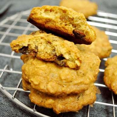 Photo of Oatmeal Raisin Cookies by Balachandrika Kandaswamy at BetterButter