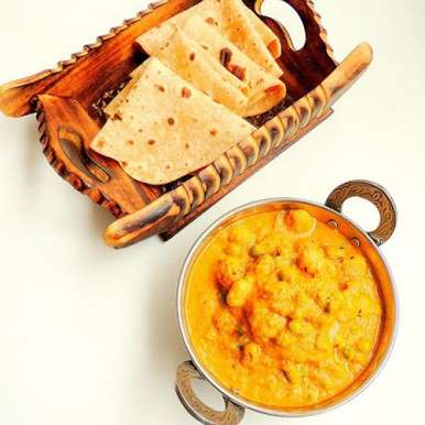 Photo of Matar Makhana/Puffed Lotus Seeds & Peas Gravy by Priya Suresh at BetterButter