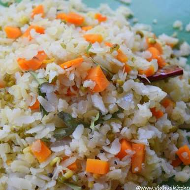 Photo of Vegetable Aval / Poha Upma by Srividhya Ravikumar at BetterButter