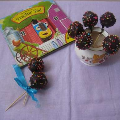 Photo of Cake Pops by Amrita Roy at BetterButter