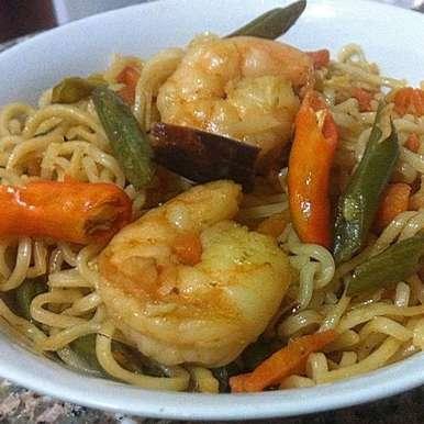 Stir-fried Egg Noodles with Prawns, How to make Stir-fried Egg Noodles with Prawns