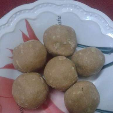 Atta Laddu - Wheat Flour Laddu
