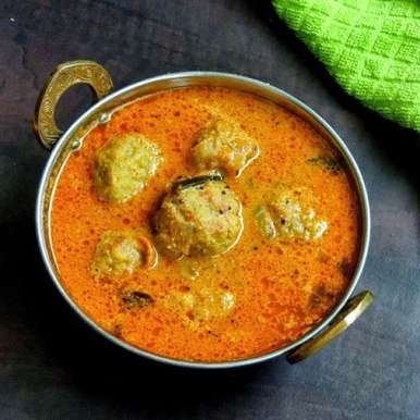 Photo of Chettinad Paruppu Urundai Kuzhambu/Chettinad Toor dal balls gravy by Priya Suresh at BetterButter