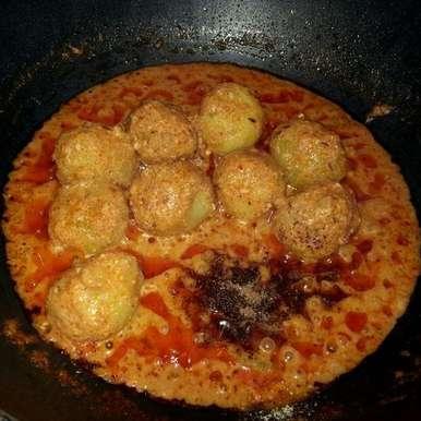 Photo of Kashmiri Dum Aloo/ Baby Potato in Spicy Yogurt Gravy by Poonam Bachhav at BetterButter