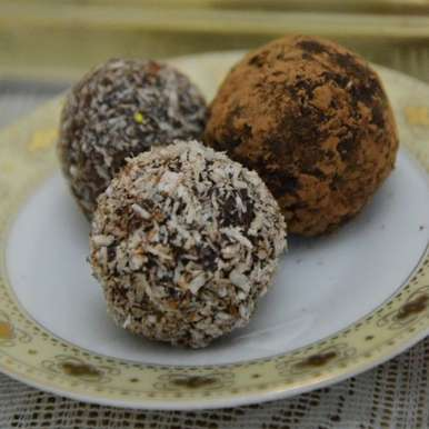 Photo of Chocolate And Nuts Balls by Fajeeda Ashik at BetterButter