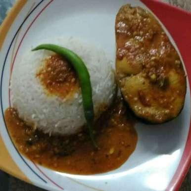 Photo of Rohu in spicy tomatoes garlic gravy by Rachana Bhatia at BetterButter