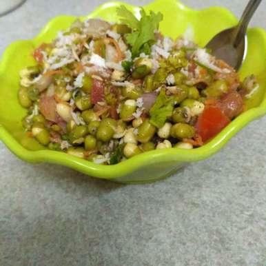 Photo of Moong sprout salad by Raihanathus Sahdhiyya at BetterButter