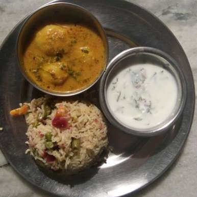 Photo of Aloo Dum Curry with Veg Pulav by Ridhima Mohil at BetterButter