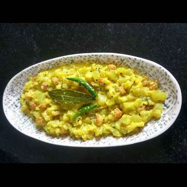 BOTTLE GOURD COOKED IN MILK recipe in Bengali,দুধ লাউ, MOUMITA DAS