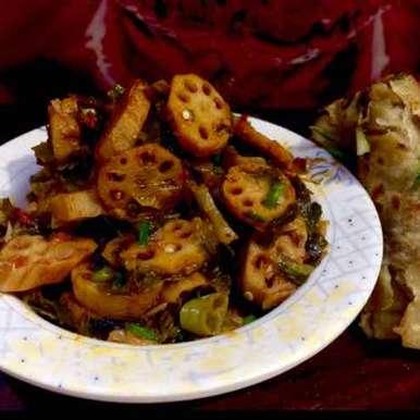 Photo of a famous Sindhi style lotus stems spring onions mix veg by Rina Khanchandani at BetterButter