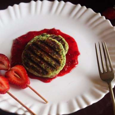 PANEER STEAK WITH STRAWBERRY SAUCE, How to make PANEER STEAK WITH STRAWBERRY SAUCE