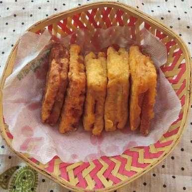Photo of Bread pakoda by Sree Vaishnavi at BetterButter