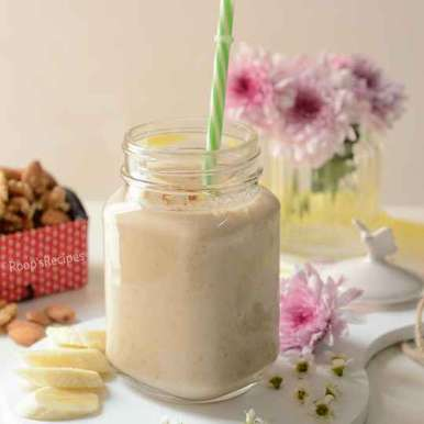 Photo of Milky banana nut smoothie by Roop Parashar at BetterButter