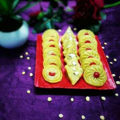 Cholar daal er borfi o chanch misti recipe in Bengali,ছোলার ডালের বরফি ও ছাঁচ মিষ্টি ।, Sanchari Karmakar