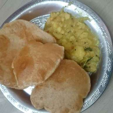 Photo of Poori with kilangu by Sangeetha Venkatesh at BetterButter