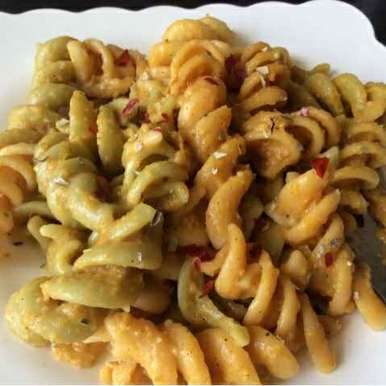 Photo of Healthy pasta in creamy oats and veggie sauce by Sarika Singh at BetterButter