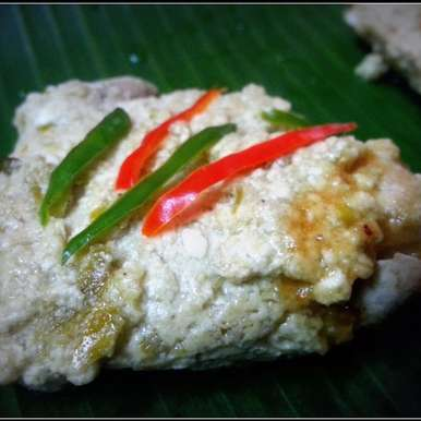 Photo of Steamed Chicken with Date palm Jaggery & Green Chillies  by Sayan Majumder at BetterButter
