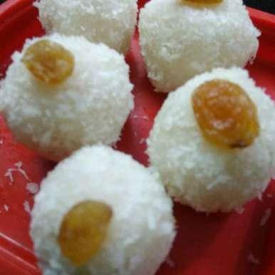 Nariyal laddu (dudh se recipe in Hindi,नारियल लड्डू (दूध से बने), Seema Saurabh Dubey