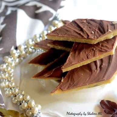 Chocolate kaju katli /Cashewnut glaze with chocolate glaze, How to make Chocolate kaju katli /Cashewnut glaze with chocolate glaze