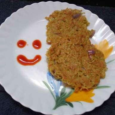 Noodles pancake recipe in Bengali,নুডলস প্যানকেক, Sharmila Dalal
